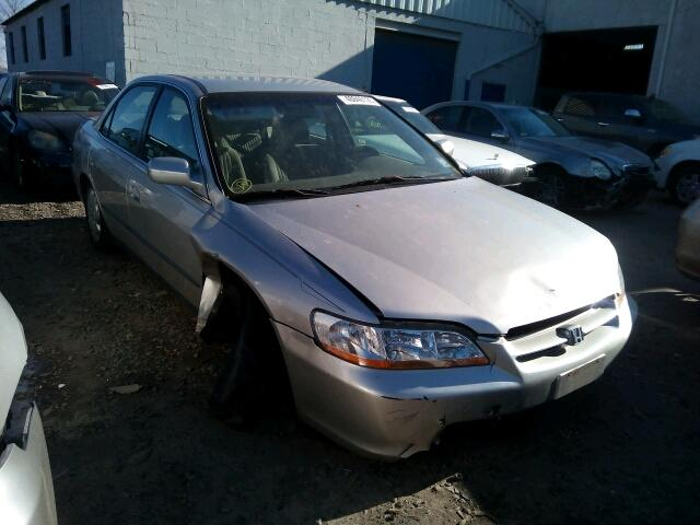 1HGCG5645WA133602 - 1998 HONDA ACCORD LX