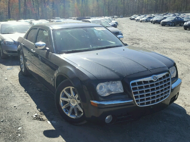 2C3JA63H25H585824 - 2005 CHRYSLER 300C