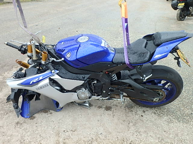 2015 yamaha yzf r1 15 for sale at copart uk salvage car auctions. Black Bedroom Furniture Sets. Home Design Ideas