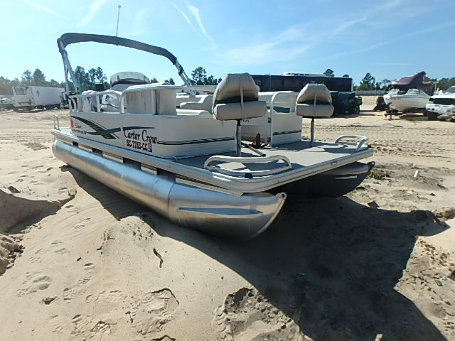 Salvage 2010 Suntracker MARINE LOT for sale