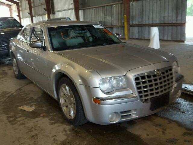 2005 CHRYSLER 300 5.7L