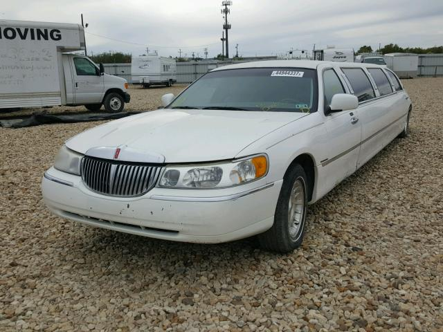 Wrecked 1999 Lincoln Town Car For Sale In Tx Grand Prairie Lot 44944337