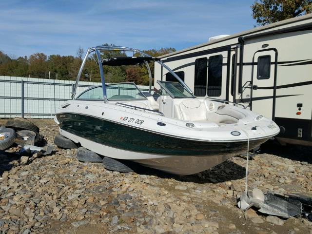 Salvage 2003 Crownline BOAT for sale