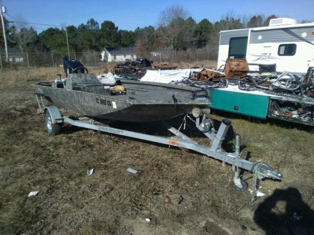 Salvage 2009 Triton BOAT for sale