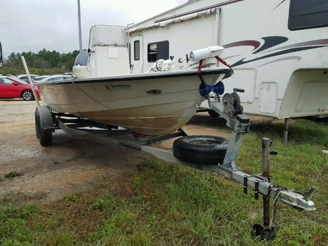 Salvage 2000 Pathfinder BOAT for sale