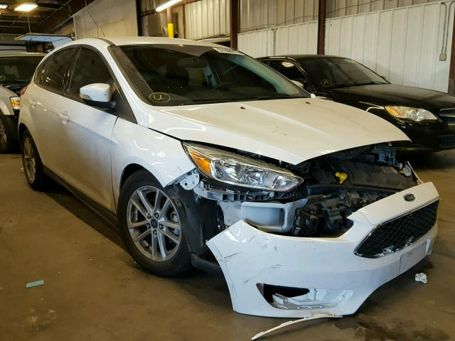 Salvage 2015 Ford FOCUS SE for sale