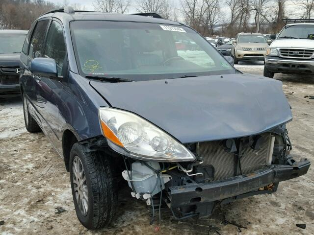 5TDDK4CC3AS029726-2010-toyota-sienna-0