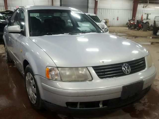 Salvage 1999 VOLKSWAGEN PASSAT - Small image. Lot 37418679