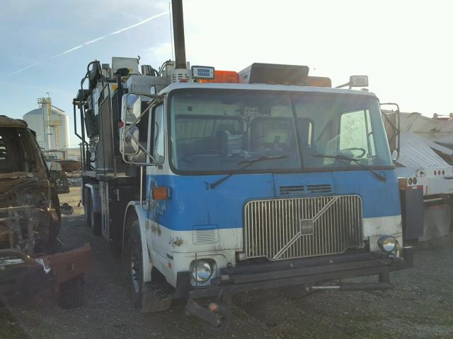 2001 VOLVO XPEDITOR W 6