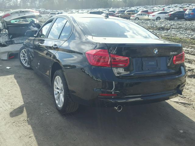 2017 BMW 3 series   Vin: WBA8E1G34HNU17661