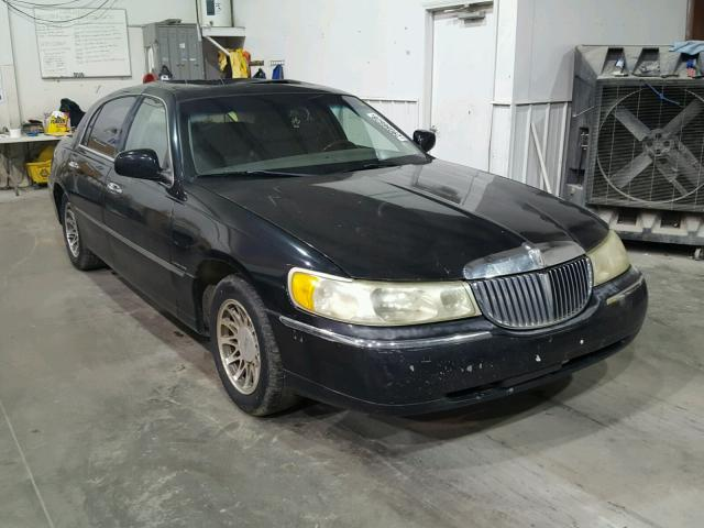 2001 LINCOLN TOWN CAR S   Left Front View Lot 29056628.