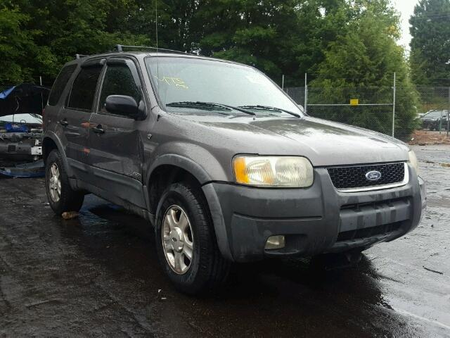 Salvage 2002 Ford ESCAPE XLT for sale