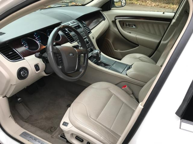 2011 Ford Taurus Lim 3.5L detail view