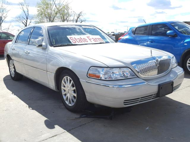 click here to view 2007 LINCOLN TOWN CAR S at IBIDSAFELY
