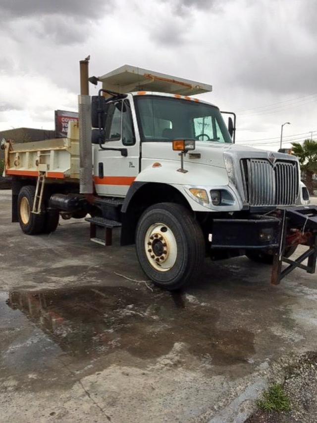 International salvage cars for sale: 2003 International 7000 7400