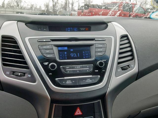 5NPDH4AE9FH631174 - 2015 Hyundai Elantra Se 1.8L engine view