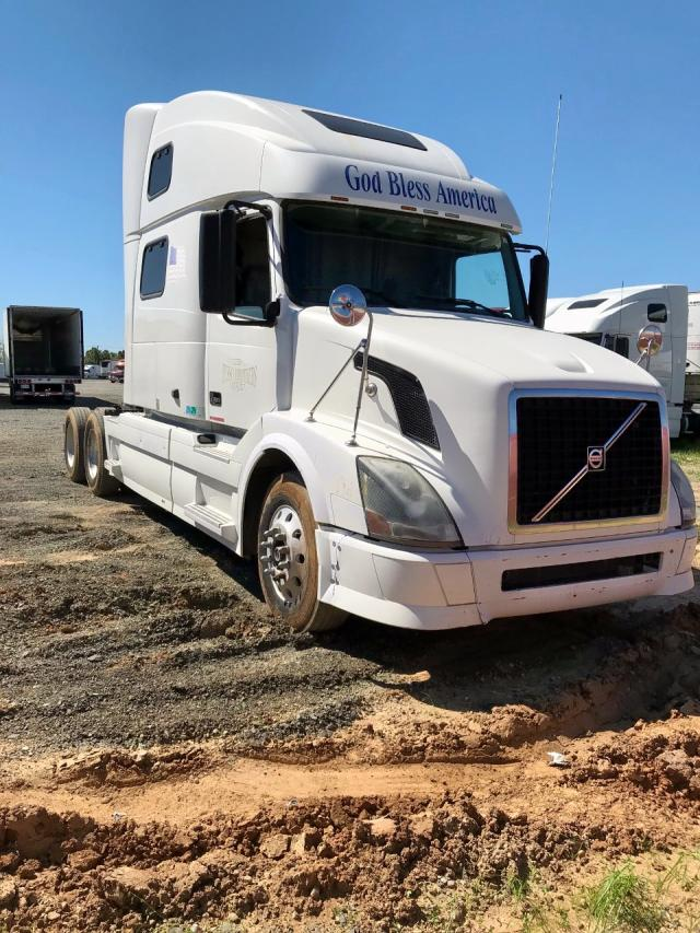 click here to view 2009 VOLVO VN VNL at IBIDSAFELY