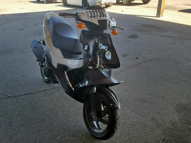 click here to view 2014 GENUINE SCOOTER CO. BLUR SS220 at IBIDSAFELY