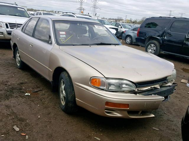 Salvage 1995 Toyota CAMRY LE for sale