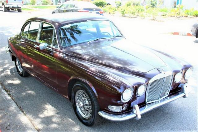 click here to view 1967 JAGUAR 420 at IBIDSAFELY