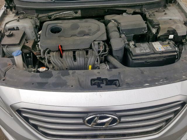 5NPE24AF8FH006960 - 2015 Hyundai Sonata Se 2.4L inside view