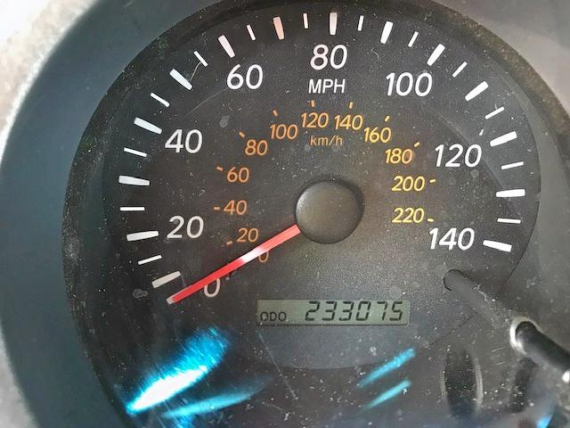 2003 TOYOTA HIGHLANDER - Engine View