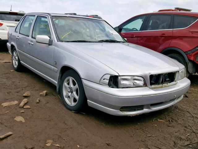 Salvage 2000 Volvo S70 BASE for sale