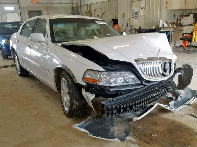 click here to view 2010 LINCOLN TOWN CAR S at IBIDSAFELY