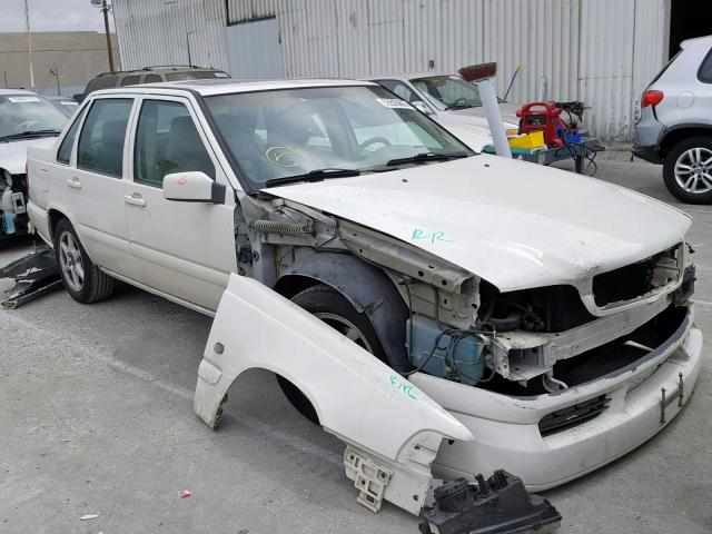 click here to view 2000 VOLVO S70 BASE at IBIDSAFELY