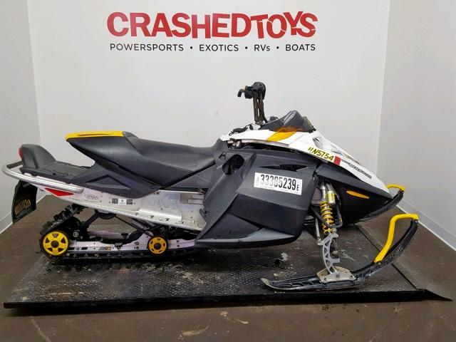 photo SKIDOO SNOWMOBILE 2006