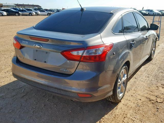 2014 FORD FOCUS SE - Right Rear View