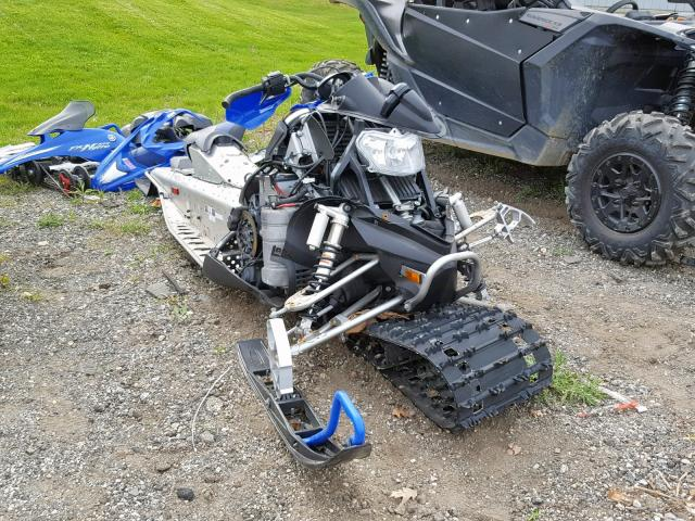 All-terrain Salvage Title 2006 Yamaha Snowmobile For Sale in