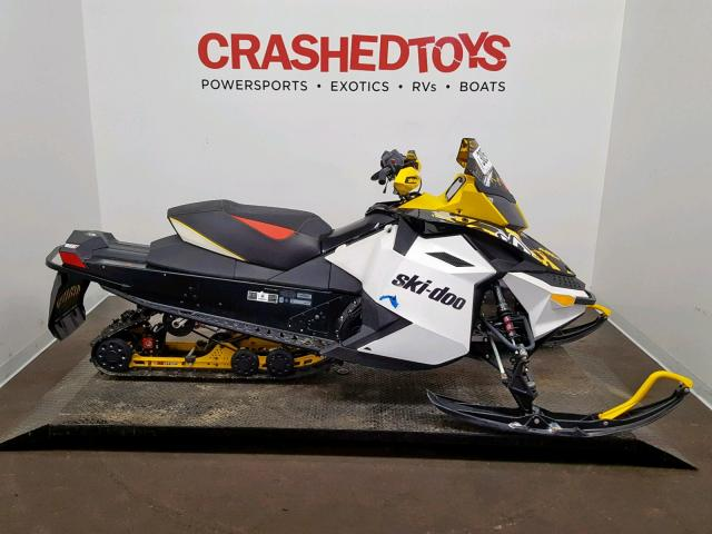 photo SKIDOO SNOWMOBILE 2012