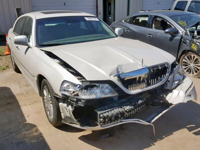click here to view 2006 LINCOLN TOWN CAR S at IBIDSAFELY