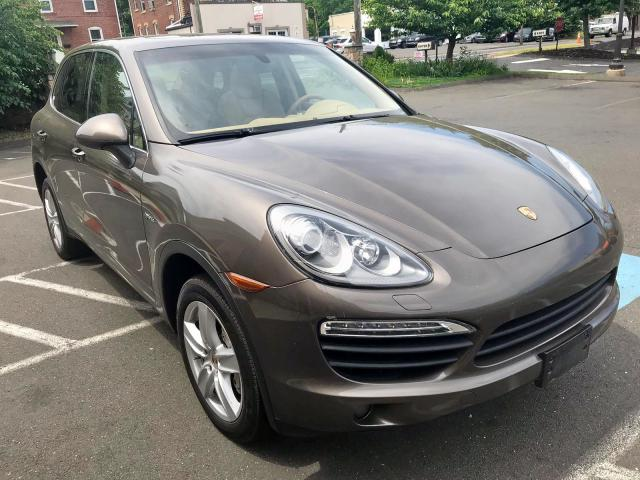 click here to view 2011 PORSCHE CAYENNE S at IBIDSAFELY
