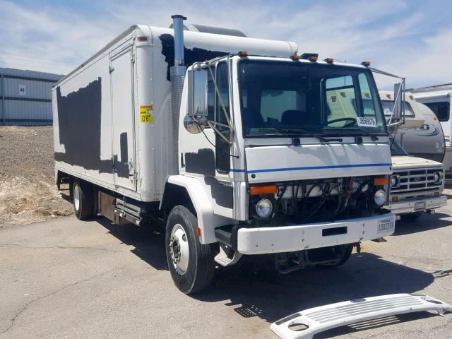 click here to view 2004 STERLING TRUCK SC 8000 at IBIDSAFELY