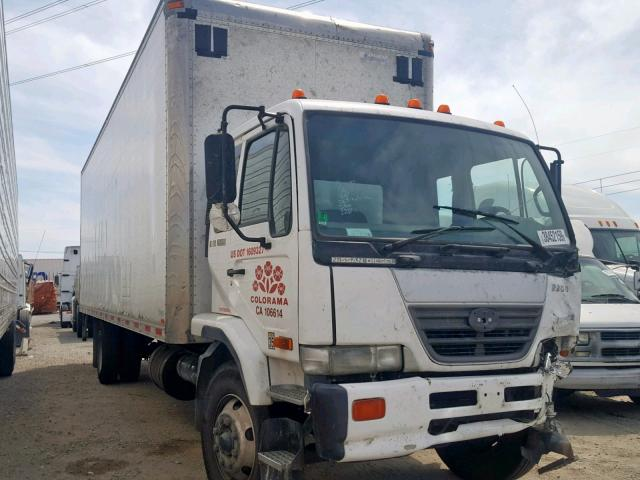 click here to view 2006 UD UD3300 at IBIDSAFELY