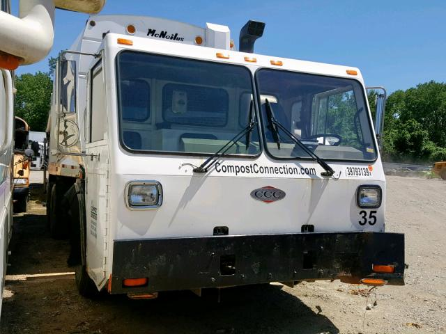 click here to view 2004 CRANE CARRIER LOW ENTRY at IBIDSAFELY