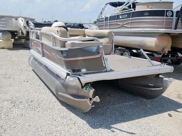 Tracker Vehiculos salvage en venta: 2016 Tracker Boat