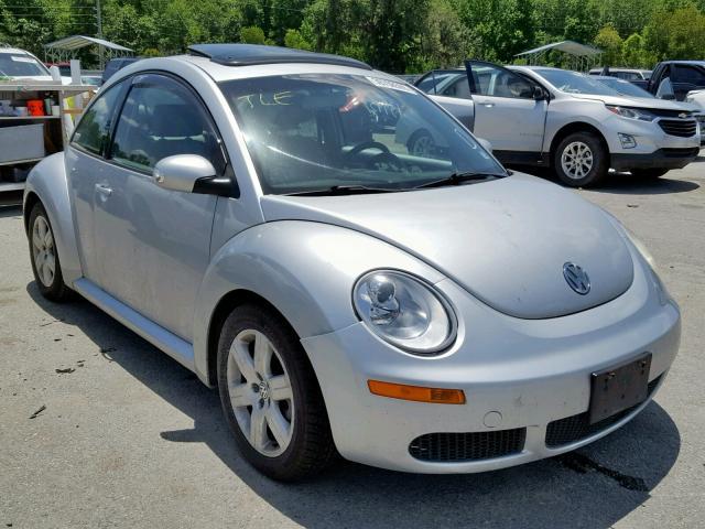 2007 Volkswagen New Beetle 2 5L 5 for Sale in Savannah GA - Lot: 39798569