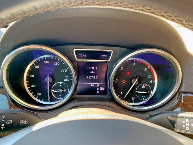 4JGDA2EB8CA069064 - 2012 Mercedes-Benz Ml 350 Blu 3.0L inside view