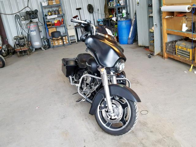 click here to view 2011 HARLEY-DAVIDSON FLHX at IBIDSAFELY