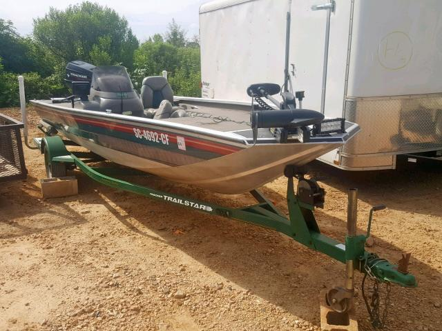 Salvage 1998 Tracker BOAT for sale