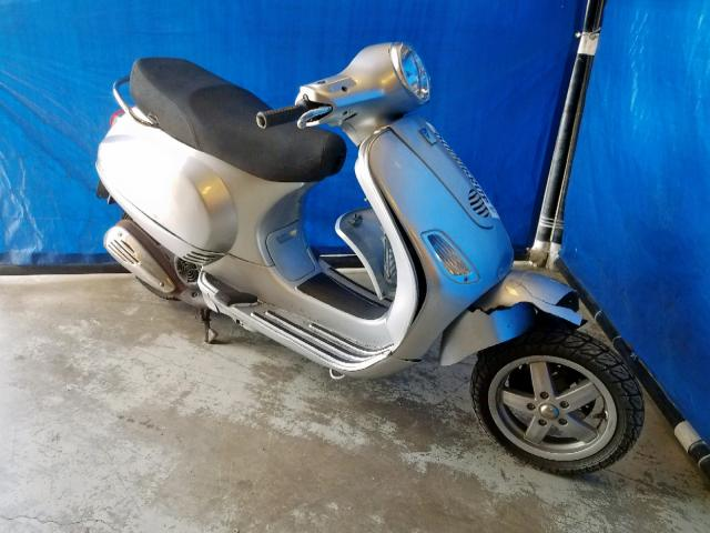 click here to view 2007 VESPA MOPED at IBIDSAFELY