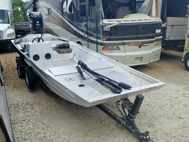 click here to view 2016 LOWE BOAT at IBIDSAFELY