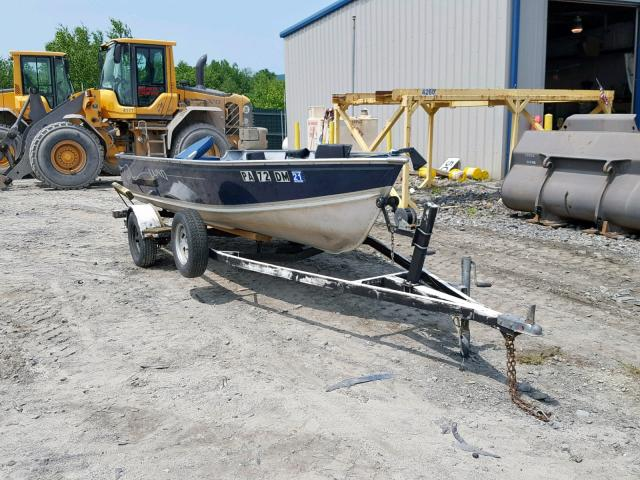click here to view 1999 LUND BOAT at IBIDSAFELY