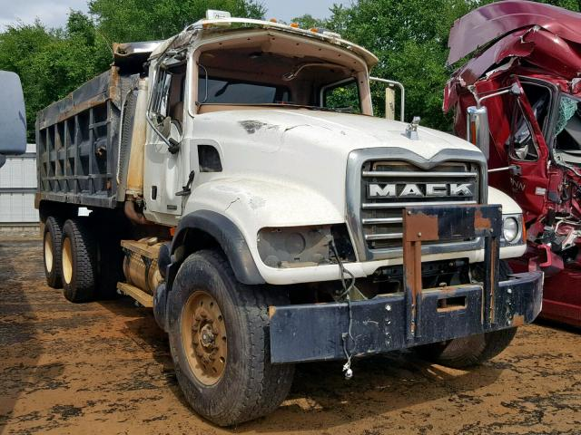 click here to view 2005 MACK 700 CV700 at IBIDSAFELY