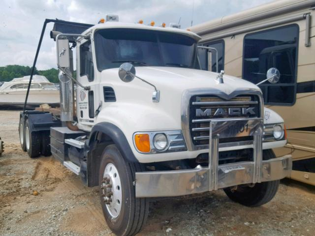 click here to view 2004 MACK 700 CV700 at IBIDSAFELY