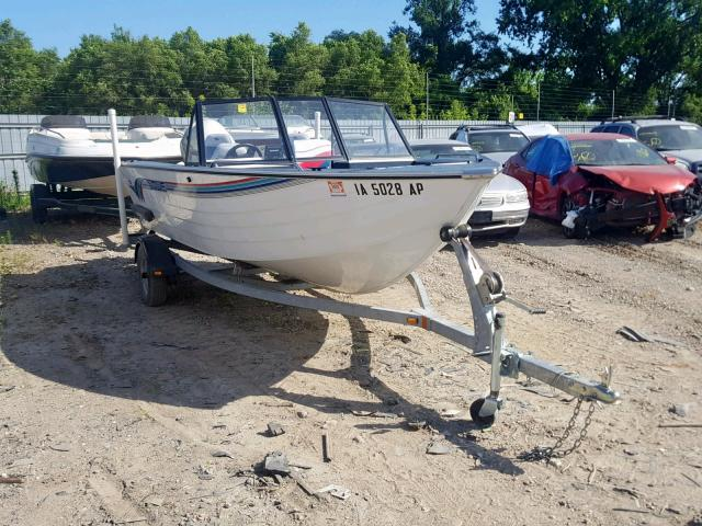 click here to view 1996 LOWE BOAT at IBIDSAFELY