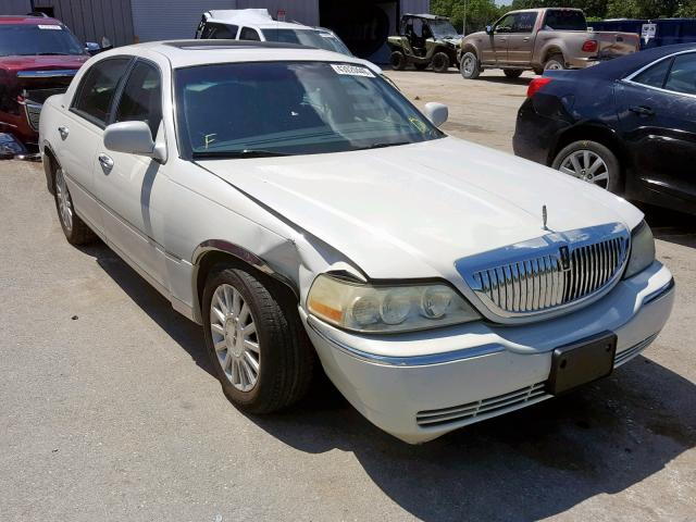 click here to view 2003 LINCOLN TOWN CAR E at IBIDSAFELY